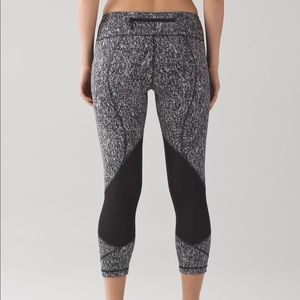 rare lululemon pace rival full-on luxtreme crops